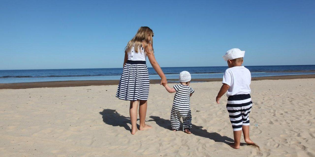 Autom na dovolenku s deťmi – na čo nezabudnúť