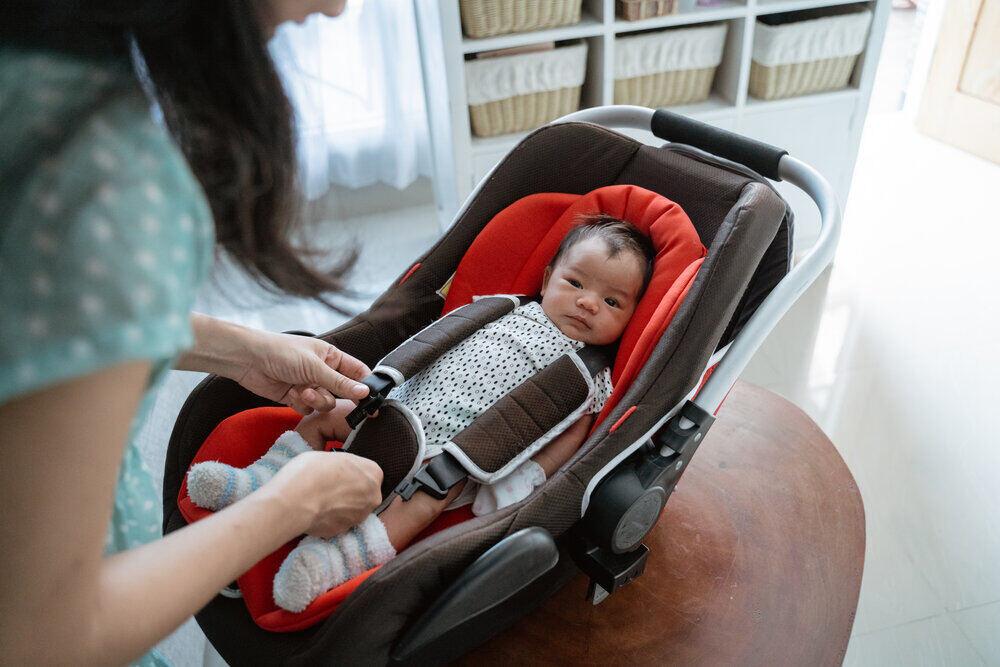 Vďaka matkinej príprave je dievčatko pripravené na cestu