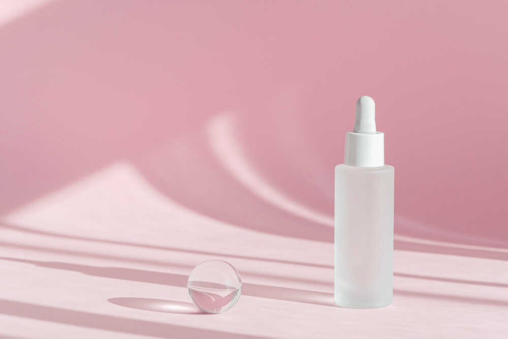 Starostlivosť o pleť, kozmetické ošetrenie, lekárska starostlivosť o pleť, maketa balenia tekutého kozmetického výrobku