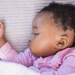Náušnice pre novorodenca. Čo by ste mali vedieť pred prvým prepichnutím uška?